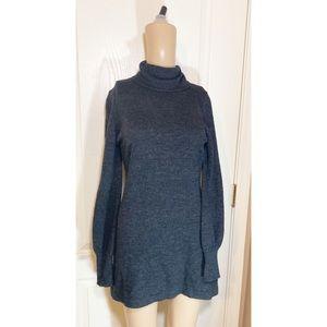 Love stitch black turtle neck sweater